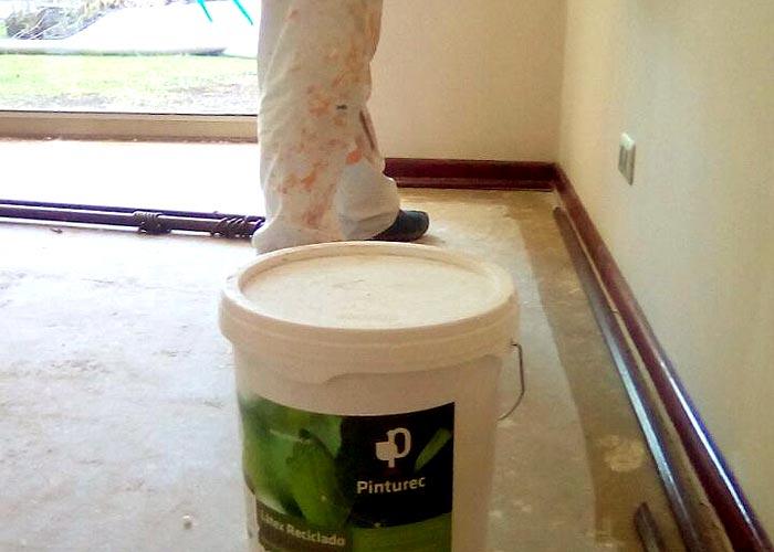 Condominio Alfalfal usa pintura reciclada