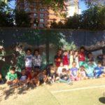 Niños del Colegio Alemán de Santiago usan pintura reciclada